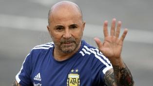 Argentina entrenó antes para observar el juego clave del grupo