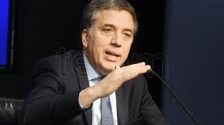"Dujovne advirtió que esperan ""meses duros"" pero aseguró que el país saldrá fortalecido"