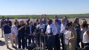 """Alcaldes estadounidenses protestan en la frontera contra la """"tolerancia cero"""""""
