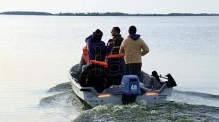 Brigadas caninas, drones y vecinos se suman a la búsqueda del kayakista cerca de Pinamar