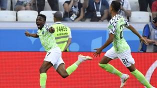 Nigeria le ganó a Islandia y Argentina sueña con octavos