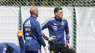 Argentina entrenó con la mente en Nigeria y Armani sería el arquero