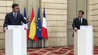 Macron y Sánchez propondrán a la UE crear centros para inmigrantes