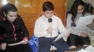 Niños que sufrieron la inundación de General Villegas enseñan a cuidar el medio ambiente