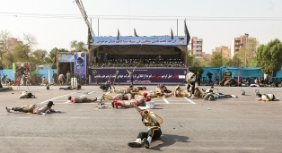 """Guardianes de la Revolución amenazan con una """"venganza inolvidable"""" tras el atentado"""