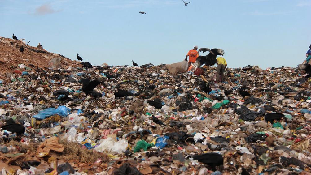 El Gobierno derogó el decreto de Macri que habilitaba la importación de basura