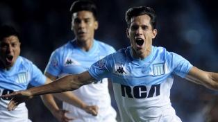 Racing ganó y lidera las posiciones en la Superliga