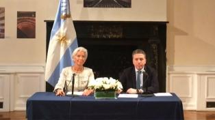 El FMI amplió el acuerdo con la Argentina y enviará 24.400 millones de dólares hasta marzo