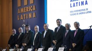 Macri visita la feria de turismo y se reúne con el titular del Comité Olímpico
