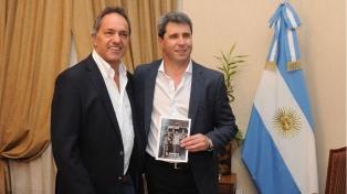 Scioli reapareció y se sacó una foto con el gobernador Uñac