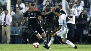 Atlético Tucumán juega en Porto Alegre a todo o nada