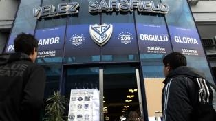 Jóvenes egresadas denunciaron por acoso a un coordinador del Instituto Vélez Sarsfield