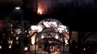 Un incendio en el restaurante Kansas provocó la internación de seis personas