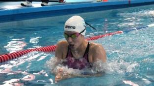 Julieta Lema ganó la segunda serie de 50 metros estilo mariposa
