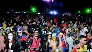 Comienza en Paraná la mayor fiesta de disfraces - Télam - Agencia ... c620320f77d