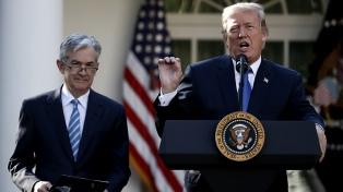 Trump siguió quejándose de la Fed pero mantendrá en el cargo a Jerome Powell