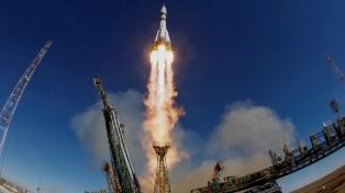 Una colisión entre partes del Soyuz provocó la avería que obligó el regreso