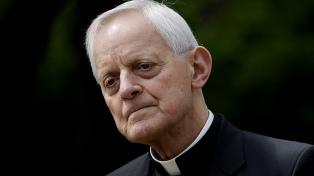 Francisco aceptó la renuncia del arzobispo de Washington, cuestionado por encubrir abusos