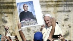 """Francisco: La canonización de Romero es un """"mensaje de reconciliación"""" a Latinoamérica"""