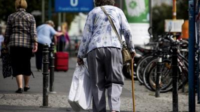 Recortarán jubilaciones para financiar un programa social