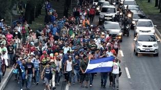 La caravana de migrantes hondureños reanuda su marcha hacia EE.UU.