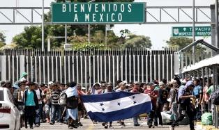 Mientras avanza la caravana, desmienten un acuerdo sobre asilo con EEUU