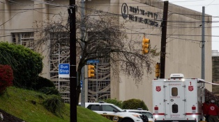 """El autor de la matanza en la sinagoga de Pittsburgh se declaró """"no culpable"""""""