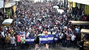 La caravana migrante dejó la capital para continuar hacia EEUU