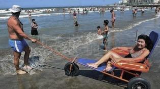Impulsan una ley de balnearios accesibles para recibir a personas con discapacidad