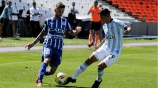 Godoy Cruz ganó y dejó sin invicto a Atlético Tucumán