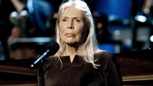 Cumple 75 años Joni Mitchell, la cantautora que viajó del folk al jazz