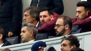 Con Messi en el palco, Barcelona obtuvo un valioso empate en Italia