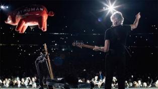 Waters cautivó en La Plata con clásicos de Pink Floyd y un show con carga política