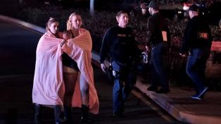 Trece muertos por un tiroteo en un bar de California