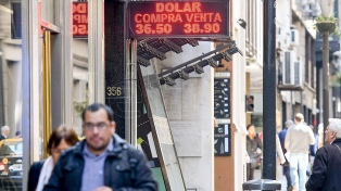El dólar cotiza a $36,60 en la apertura