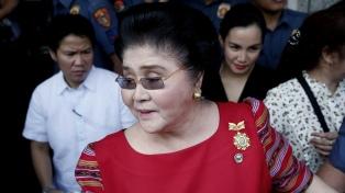 Condenan por corrupción a Imelda Marcos