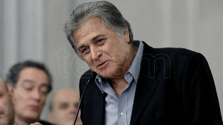 Fillol felicitó a Armani por el premio de la Conmebol