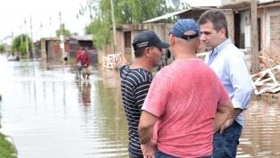 Más de 1.300 evacuados en el Conurbano bonaerense tras el temporal