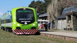 El tren patagónico incorpora un nuevo coche motor para esta temporada