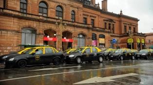 Aumenta la tarifa de los taxis porteños desde la medianoche del sábado