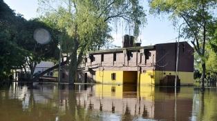 Lluvias aisladas pero intensas inundaron zonas de la capital