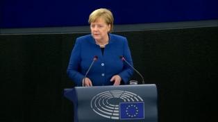 """Merkel llamó a formar un """"auténtico ejército europeo"""""""