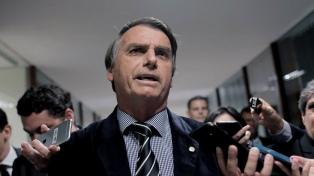 """""""Lo peor está por venir"""", dijo Bolsonaro sobre el derrame de petróleo en las playas"""