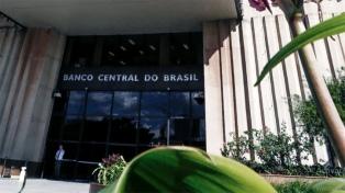 Brasil quiere imitar a Argentina y permitir abrir cuentas en dólares a familias y empresas