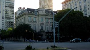 """La embajada de EE.UU. rechaza """"enfáticamente"""" el tuit """"Perdió Cristina"""", publicado en su cuenta"""