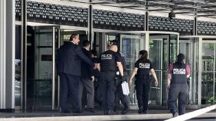 Evacúan a unas 2000 personas por amenaza de bomba en la sede central del banco Galicia