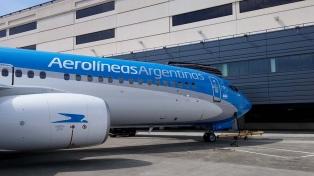 Los gremios aeronáuticos de Aerolíneas Argentinas anunciaron un paro total para el lunes 26
