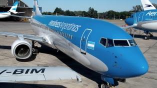 Un paro de aeronáuticos suspenderá el martes el tráfico aéreo comercial