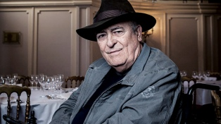 Murió a los 77 años Bernardo Bertolucci, el poeta polémico del cine italiano