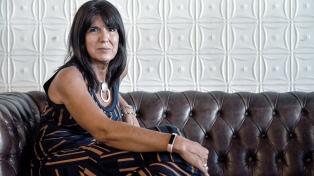 """Claudia Solans: """"Por vivir mi adolescencia en dictadura tengo mecanismos de censura muy fuertes"""""""